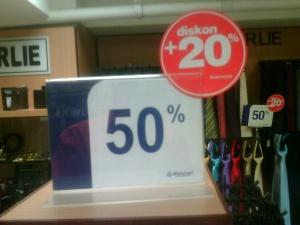 Diskon dual produk dasi di M*tahari Department Store